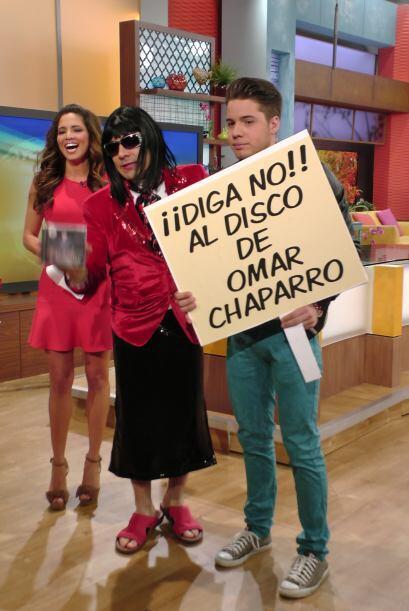 Además, aprovechó el momento para desprestigiar el disco de Omar Chaparro.