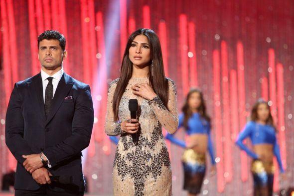 Bellísima Alejandra Espinoza, ese vestido le quedó como anillo al dedo,...