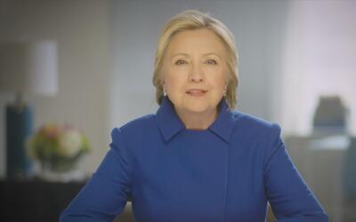 Clinton pide a los demócratas unirse y capitalizar el descontento con Trump