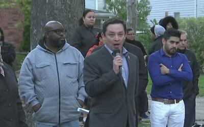 Residentes del distrito 15, molestos con el concejal Raymond López por s...