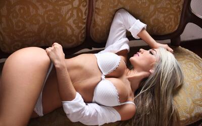 Katherin es empresaria y una modelo muy conocida en sudamerica por su be...