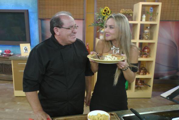 Ximena quería devorar estas deliciosas tortas de papa rellenas de queso,...