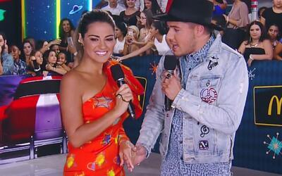 Maite Perroni lució su moda ochentera en Premios Juventud