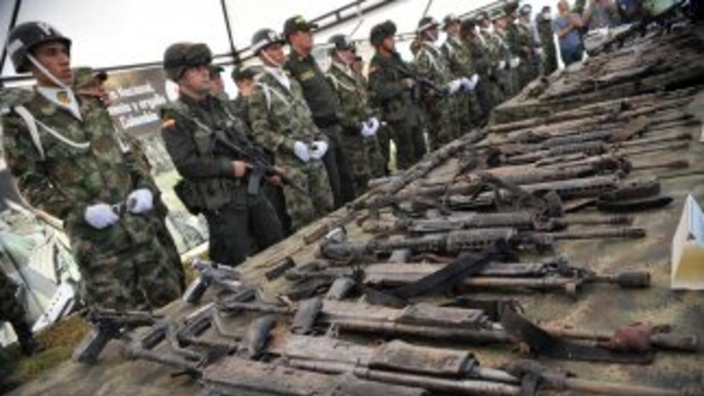 Al menos 947 armas al servicio de funcionarios públicos colombianos desa...