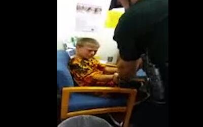 Arrestan a un niño de 10 años con autismo por agredir a un empleado de l...