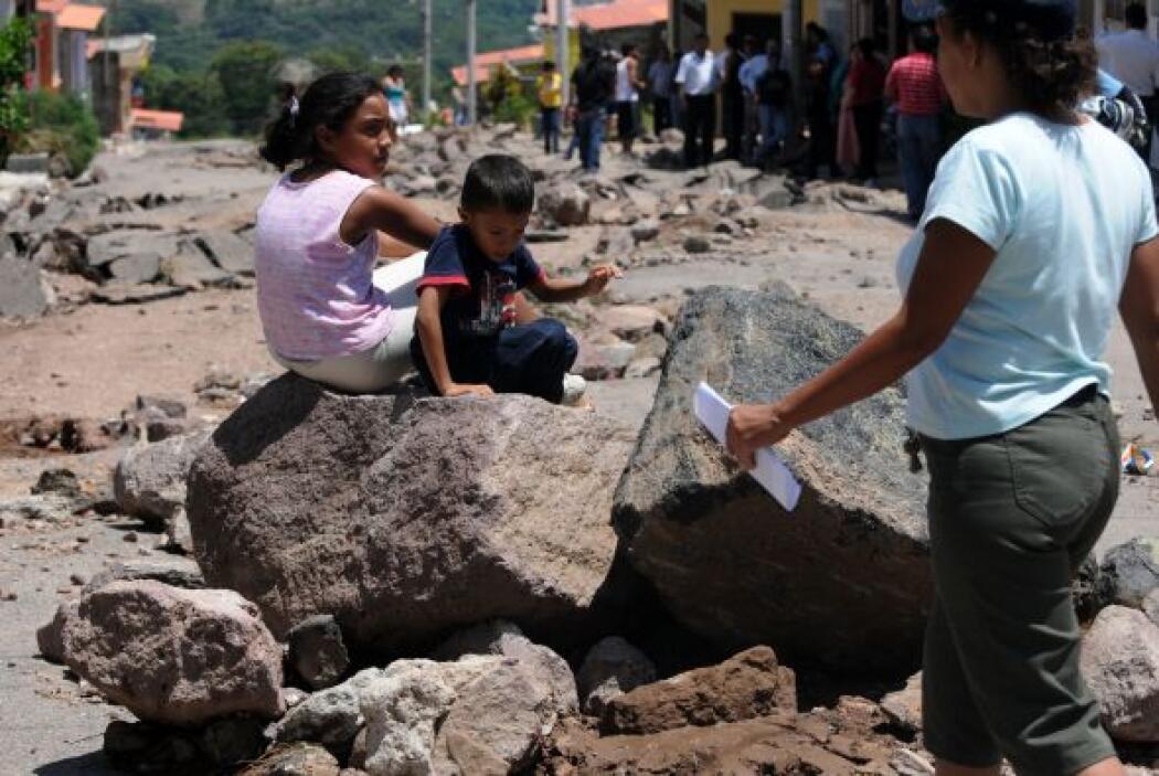 Otros deslizamientos en la colonia El Chile y  La Kassandra, fueron anun...