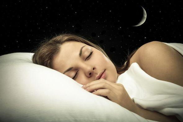 Duermen lo suficiente. Dormir 8 horas por noche, de forma consistente, p...