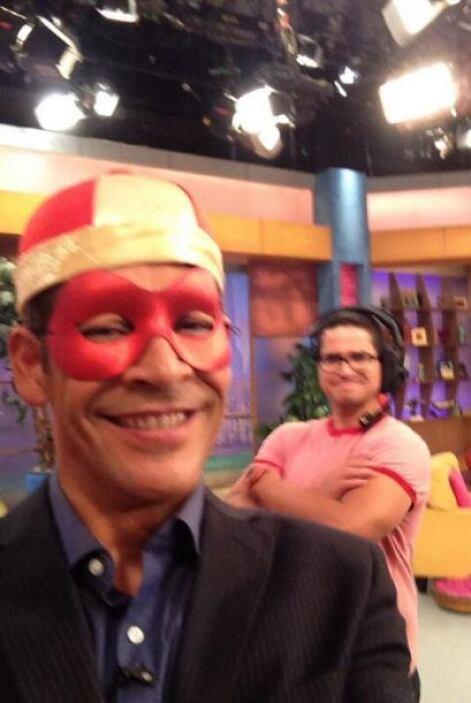 """""""¿De qué estoy disfrazado?"""", preguntó Johnny Lozada. (Septiembre 25, 2013)"""