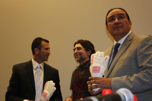 También estuvo presente Pablo Salazar Mendiguchía, ex gobernador de Chia...