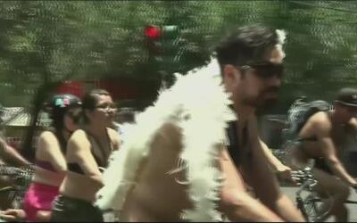 Pedaleando al desnudo