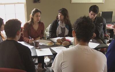 Un grupo de jóvenes inmigrantes en Pilsen buscan hacerse escuchar como p...