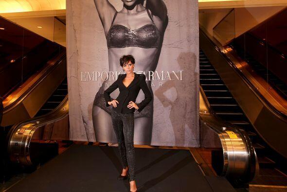La muy hermosa y exitosa Victoria Beckham 2d5b9d87175440a4b6d4aae1ed28e1...