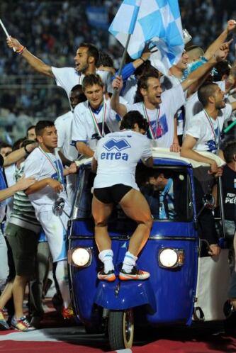 Vaya celebración del Pescara tras la victoria ante el ASG Nocerina.