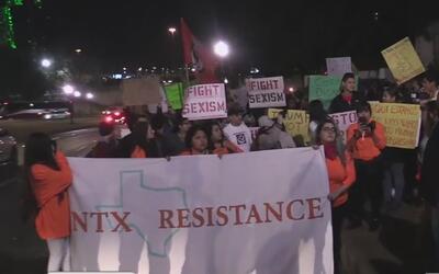 La Plaza Dealy también fue escenario de protestas contra Donald Trump