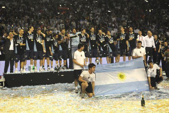 Durante el torneo, el equipo de Julio Lamas pasó momentos de duda...