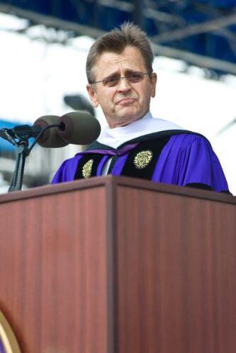 En un discurso reciente en la Universidad de Northwestern instó a los re...