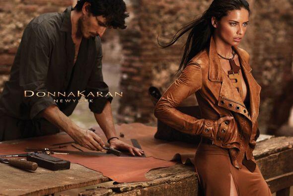 Entre sus campañas, DKNY también ha contado con la belleza brasileña de...