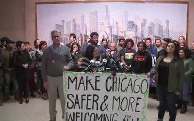 Líderes de Chicago manifestan su rechazo a la orden ejecutiva que amenaz...