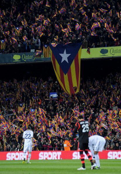 Ambientazo en el Camp Nou para el partido de vuelta entre Barcelona y Re...
