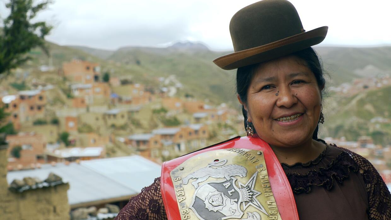 Todas las cholitas son luchadoras: lucha libre por la mujer