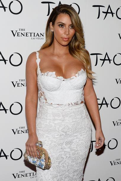 Kim recuperó sus curvas peligrosas en un abrir y cerrar de ojos y...