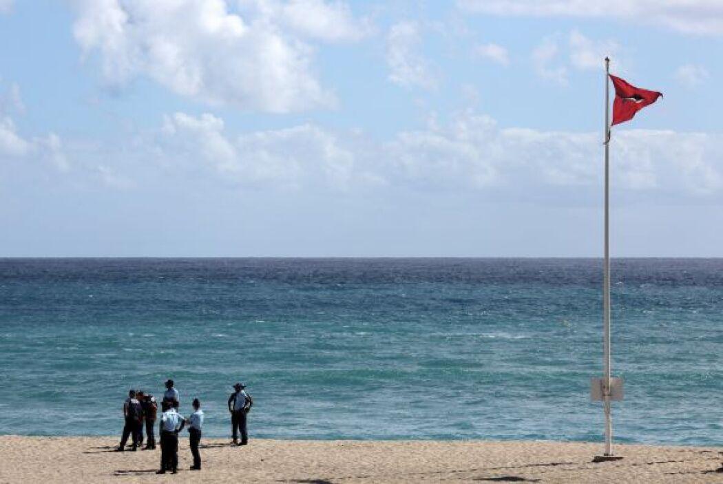 El turista francés fue mordido en un brazo y en una pierna por el tiburó...
