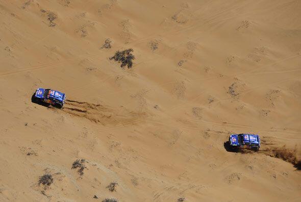 La pelea por el primer lugar del rally Dakar está muy cerrada.