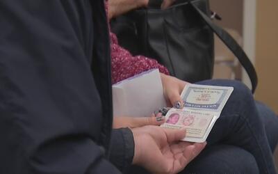 Costo del proceso de ciudadanía aumentará a 725 dólares a partir de dici...