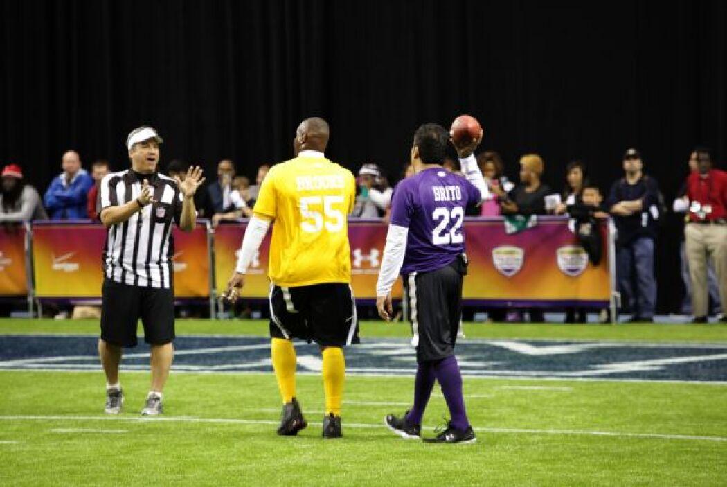La AFC (en dorado) controló el partido desde temprano.