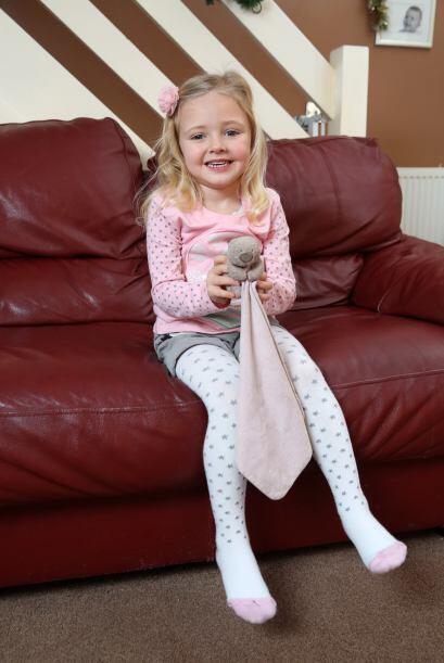Daisy Jewkes de cuatro años estaba muy angustiada con la situación.