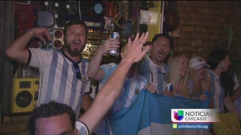 Argentinos en Chicago celebran el triunfo de su selección ante EEUU