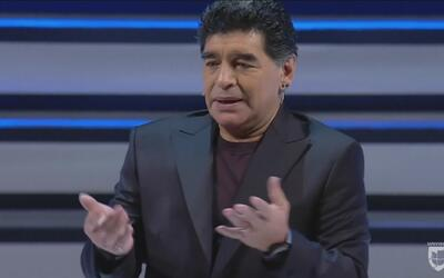 Maradona será embajador del Napoli si soluciona sus problemas con el fis...