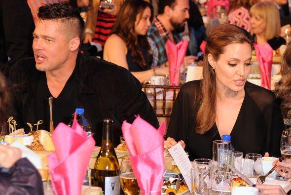 Entre los asistentes destacaron Brad Pitt y Angelina Jolie.  Mira aqu&ia...