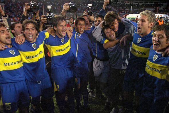 Festejo en el estadio de Independiente en el 2006. Boca se coronó...