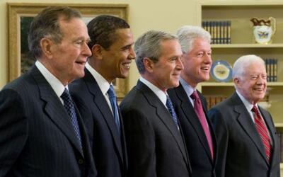 George H. W. Bush, Barack Obama, George W. Bush, Bill Clinton y Jimmy Ca...