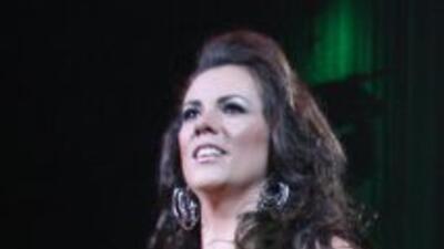 Edith Marquez en el concierto de Vicente Fernandez