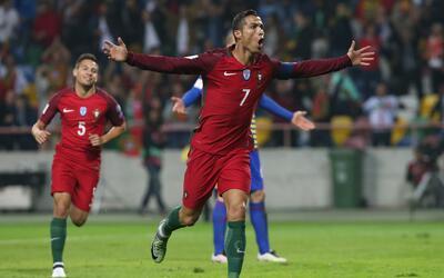Cristiano Ronaldo recibió su cuarta 'Bota de Oro' GettyImages-613182718.jpg