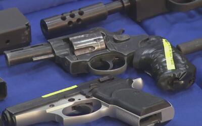 Padres de familia no tienen derecho a portar armas en planteles educativ...