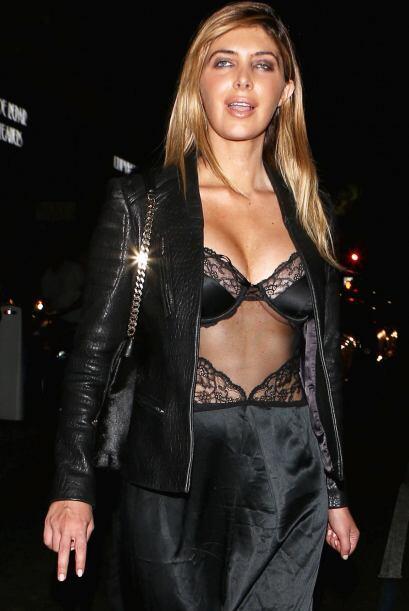 Britney, que está estrenando cabellera rubia, también luci...