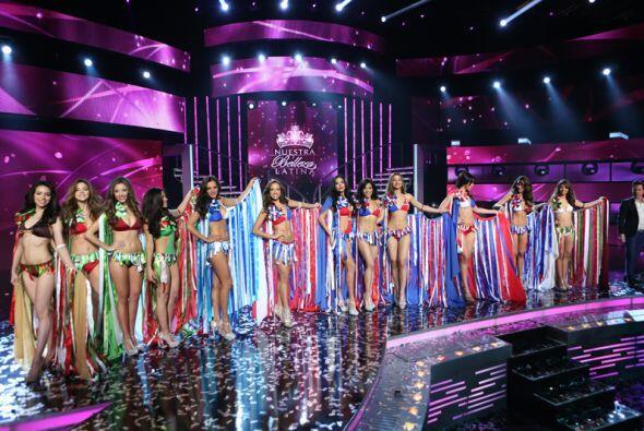 Las 12 finalistas desfilaron con una sonrisa de felicidad al saber que p...