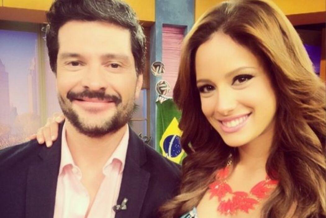 Hoy posó feliz junto al actor de 'De que te quiero te quiero', Marcelo C...
