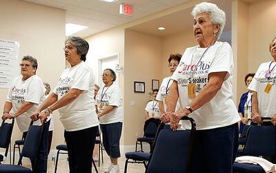 ¿Qué proponen los candidatos presidenciales para el cuidado de los ancia...