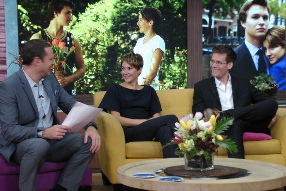 La guapa actriz Shaline Woodley habló sobre esta comedia que trata el am...