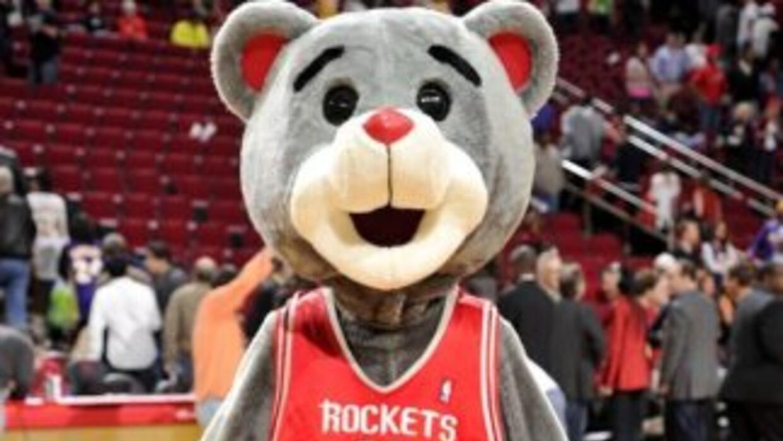 La mascota de los Rockets jugó una broma a los jugadores.