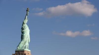 La Estatua de la Libertad reabrirá en Memorial Day tras daños por Sandy.