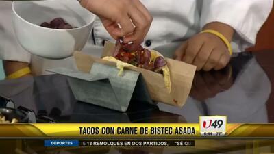 Tacos con carne de bistec asada