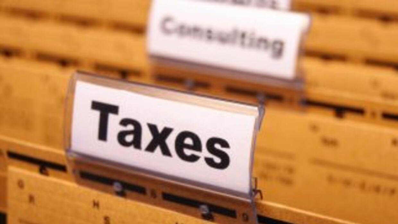 Si vas a presentar tu declaración de impuestos en papel, asegúrate de ll...