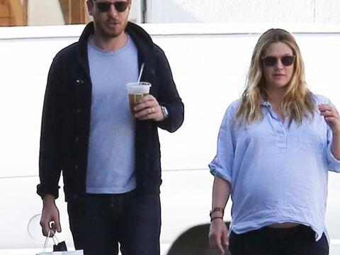 La actriz salió a pasear con su pareja, Will Kopelman el fin de semana y...