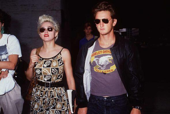 En su cumpleaños número 27, la diva se casó con el actor Sean Penn. El a...