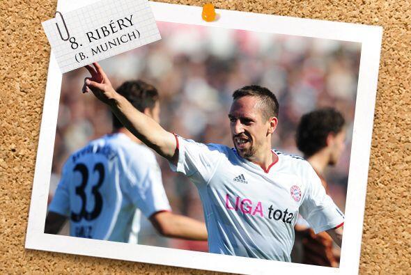 Finalmente, el medio campo es completado por el galo Franck Ribéry.